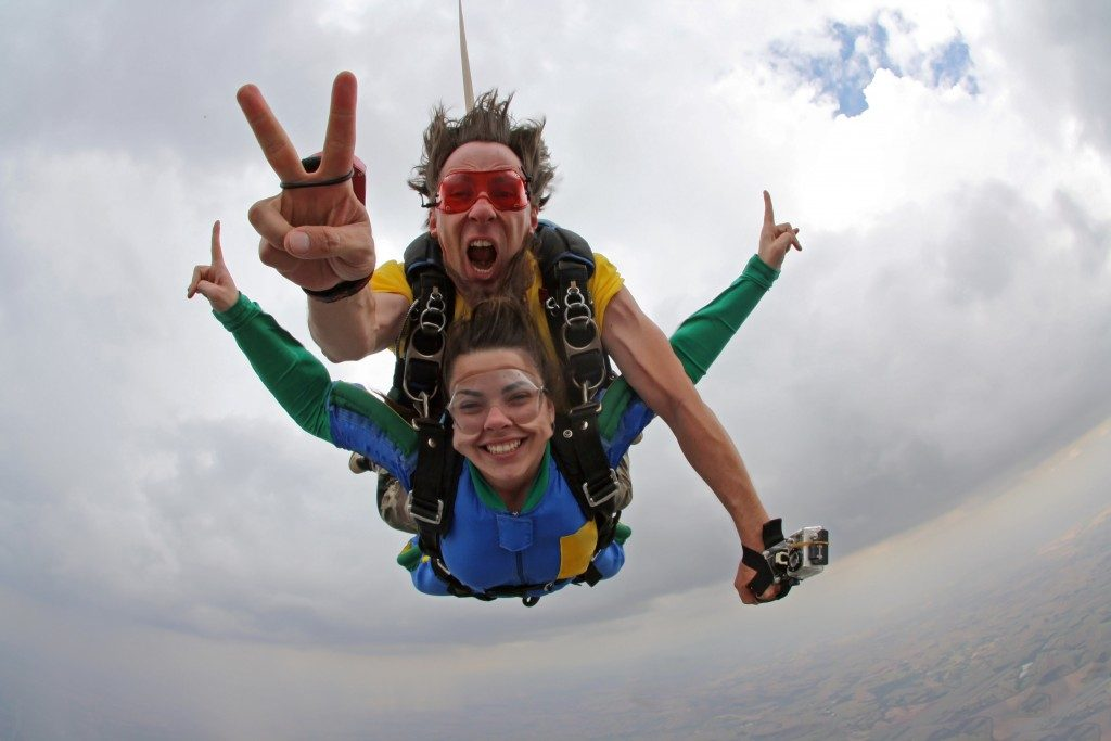 a skydiving tandem