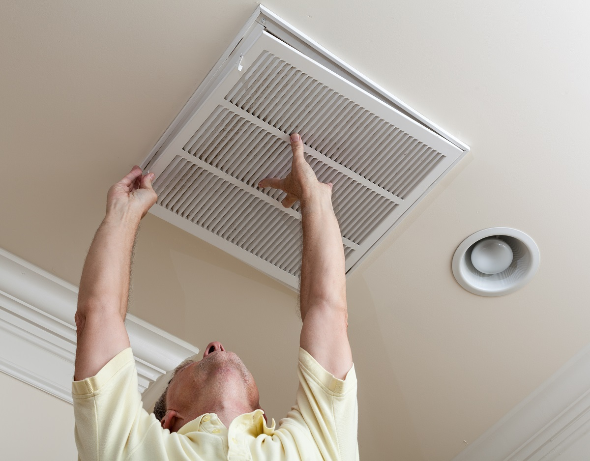 installing air duct