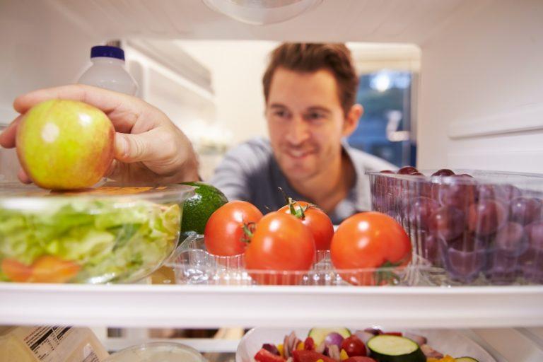 man preparing dishes
