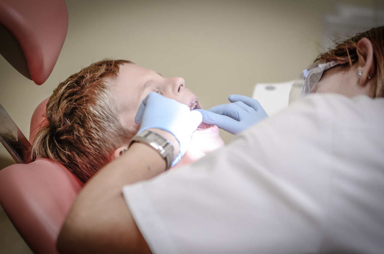 child getting an dental check up
