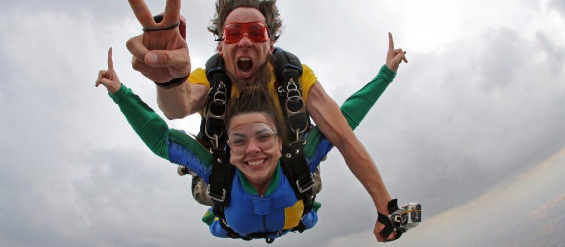 a skydiving tandem