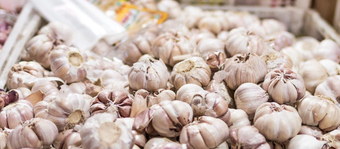 a big pile of garlic